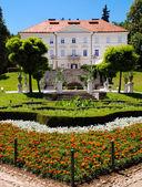 Tivoli castle and flowers at Ljubljana — Stock Photo