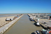 The waterfront, harbor and beach of Pescara — Stock Photo