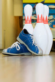 Pins and shoes — Stock Photo