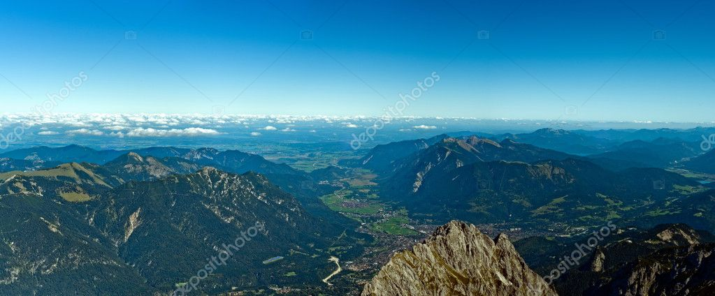 Panoramic View Zugspitze German Austrian Boarder on a sunny day — Stock Photo #8659310
