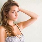 krásná mladá brunetka — Stock fotografie