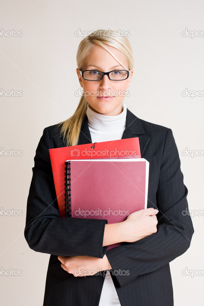 Half lenght portrait of tense looking young business woman. — Stock Photo #8190840