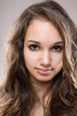 Young brunette beauty — Stock Photo