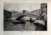 """ITALY - CIRCA 1910: A picture printed in Italy shows image of Venice view Ponte di Rialto with gondola boat, Vintage postcards """"Italy"""" series, circa 1910 — Stock Photo"""