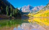 Maroon Bells-Reflection — Stock Photo