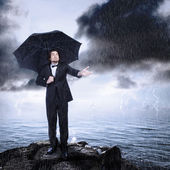 Man Under Umbrella Checking for Rain Coming or Clearing — Foto Stock