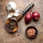 Garlic, Onions, and Peppercorn — Stock Photo