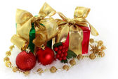 Red and green Christmas gifts — Stok fotoğraf