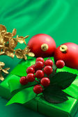 Christmas green gift box — Stockfoto
