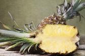 菠萝水果和纸浆 — 图库照片