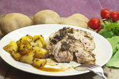 Roast calf dressed with aromatic herbs, balsamic vinegar and po — Stockfoto