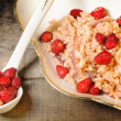 Wild strawberry and red onion risotto — ストック写真