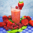 Red fruits nonalcoholic cocktail — Stockfoto #9985374