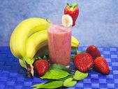 Strawberry and banana soft drink — Stock Photo