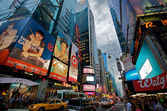 Evening Traffic at Time Square in New York City — Stock Photo