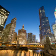 Cityscape view at the Chicago River — Stock Photo #10431677
