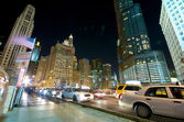 Chicago Evening Traffic and city life — Stock Photo
