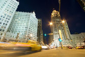 Traffic on Michigan Avenue in Chicago — Stock Photo