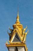 Wieże budynku kambodży pałac królewski. — Zdjęcie stockowe