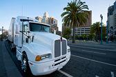 White Truck in San Francisco — Stock Photo