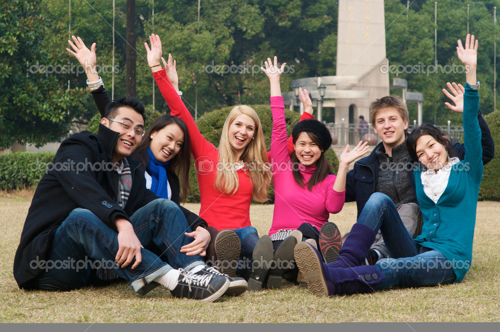 Group of 6 college students outdoor cheering — Foto Stock #8510980