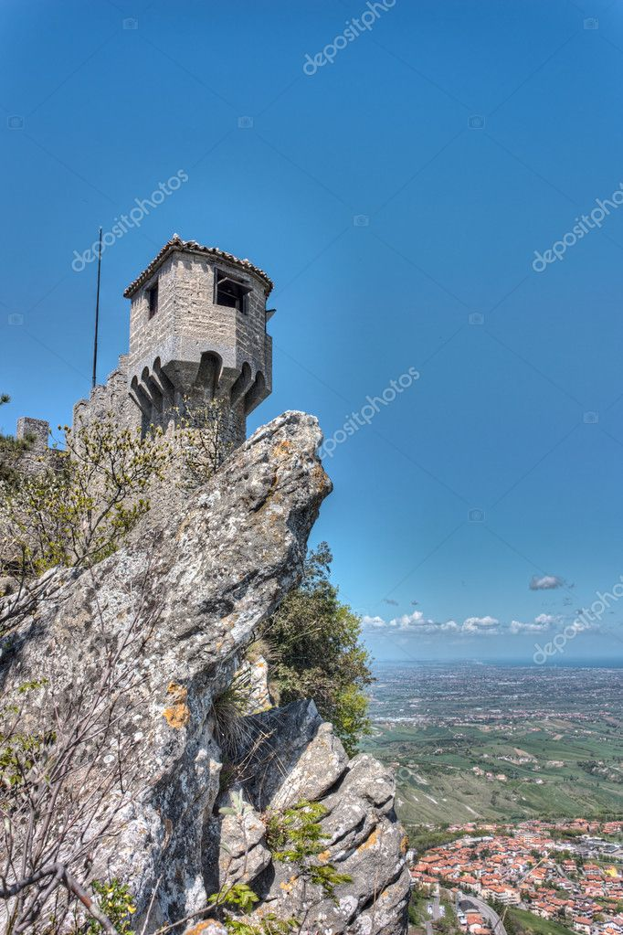 Republic of San Marino landscape: the ancient fortress Cesta, the second of the three towers on a peak of Monte Titano - hdr image — Stock Photo #10517457