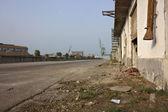 Verlaten straat op de dokken — Stockfoto