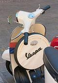 Vintage italian scooter — Stock Photo