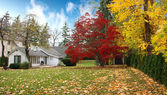 Canadian house in Autumn — Stock Photo