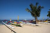 Barcos en la playa de sanur, bali — Foto de Stock