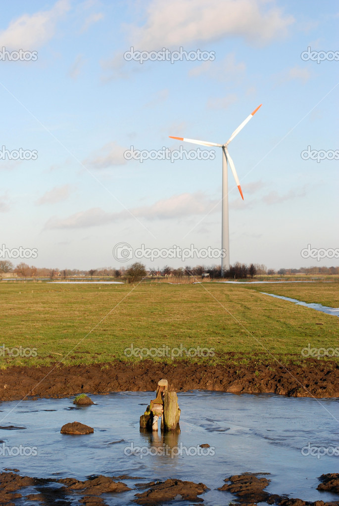 Wind turbines in green fields — Stock Photo #8808978