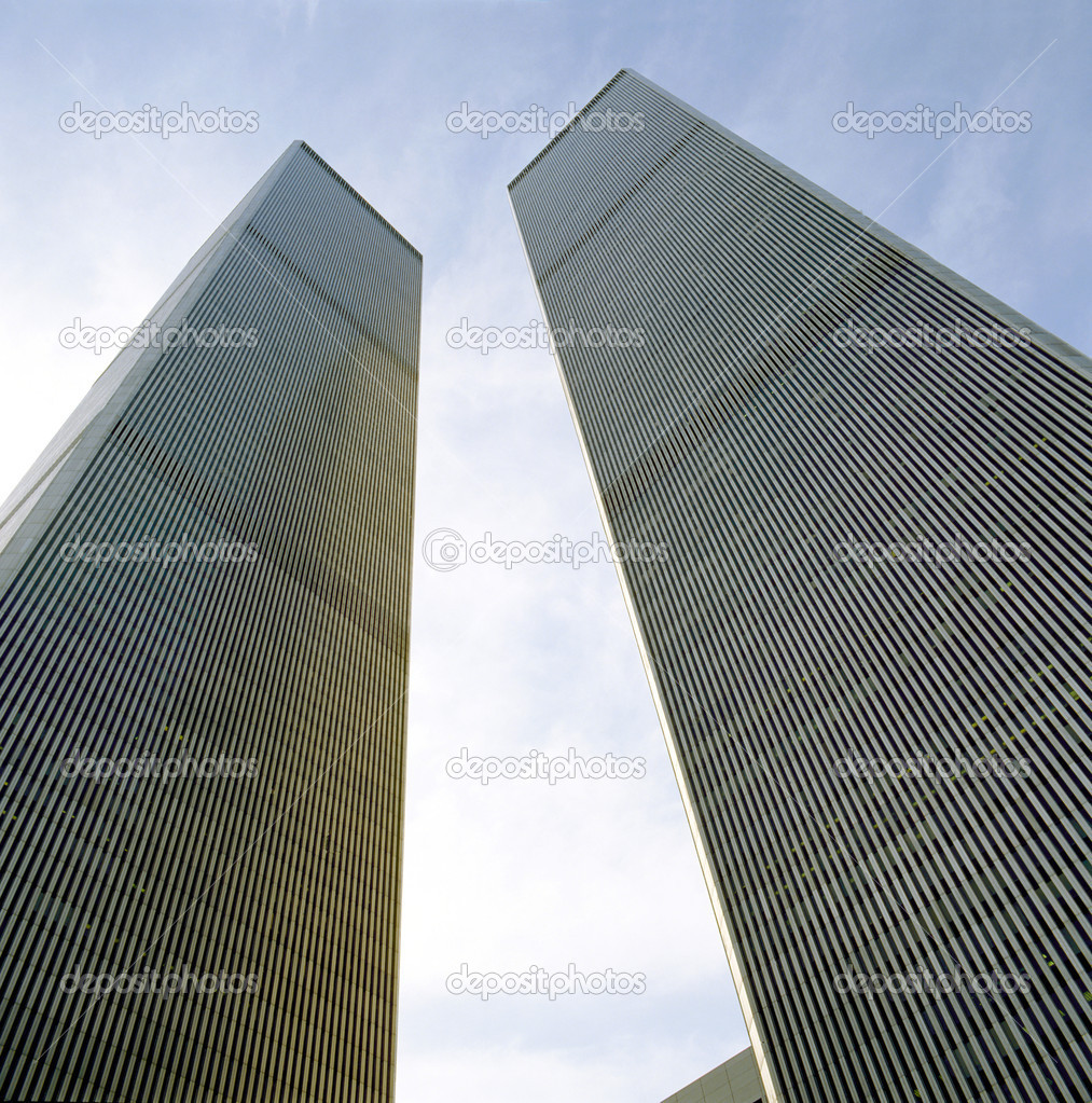 The twin towers of the World Trade Center as viewed from the street. — Stock Photo #8288838