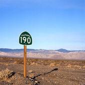 Death valley highway — Stockfoto