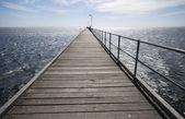 Pier bei sonnenuntergang — Stockfoto