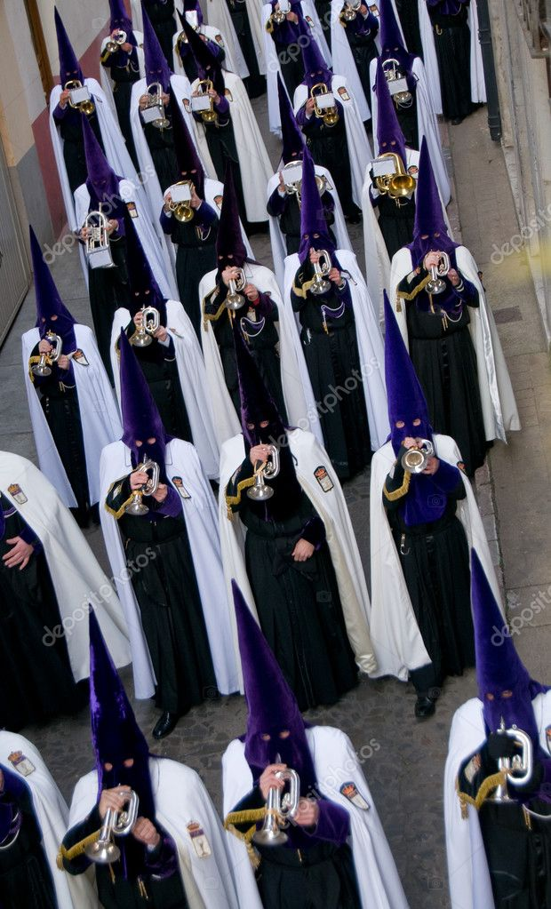Nazarenos. Religious music band during processions in Holy Week. Is the most important religious festivity. Spain — Stock Photo #8498555