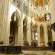 Cathedral of Almudena in Madrid, Spain. Altar - Stockfoto