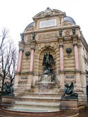 The Fontaine Saint-Michel in the Place Saint-Michel, Paris. France — Stock Photo