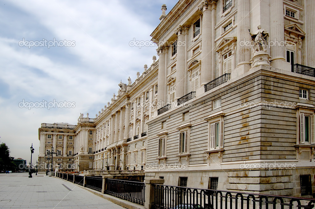 Royal Palace in Madrid, Spain — Stock Photo © photooiasson ...
