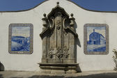 Typical fountain tiled in Vila do Conde, Portugal — Stock Photo