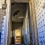 Corridor of an old house at kolmanskop ghost town near luderitz namibia — Stock Photo