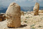 Monumentalne Boga głowy na górę nemrut, Turcja — Zdjęcie stockowe