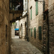 Narrow street of old Kotor, Adriatic coast, Montenegro — Stock Photo
