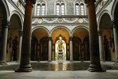 Inner courtyard of Medici Riccardi Palace. Florence, Italy — Stock Photo