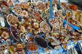 Candies and dried fruits in Yerevan market, Armenia — Stock Photo