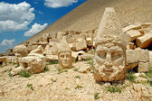 Heads of the statues on Mount Nemrut in Turkey, UNESCO — Stock Photo