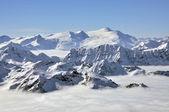 Winters aanblik van kitzsteinhorn piek skiresort, oostenrijkse alpen — Stockfoto