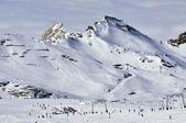 Skiers in Kitzsteinhorn ski resort near Kaprun, Austrian Alps — Stok fotoğraf