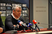 Portughese Coach Jorge Costa at a press conference — Stock Photo
