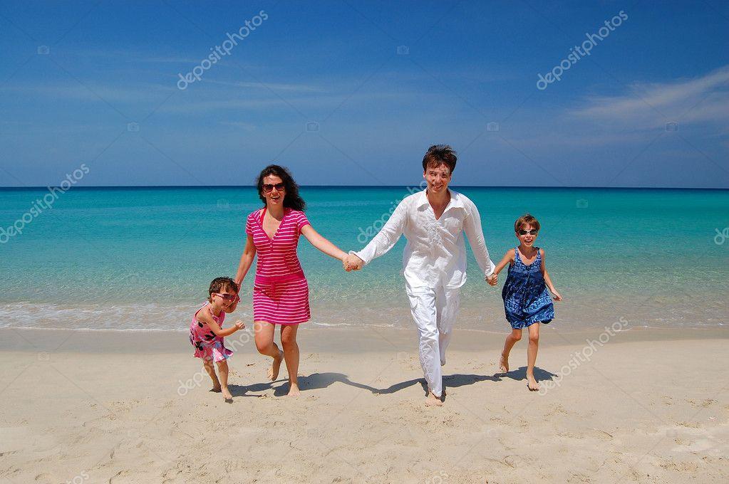 Znalezione obrazy dla zapytania obrazy rodzina wczasy