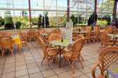 Open air beautiful cafeteria cafe restaurant — Stockfoto